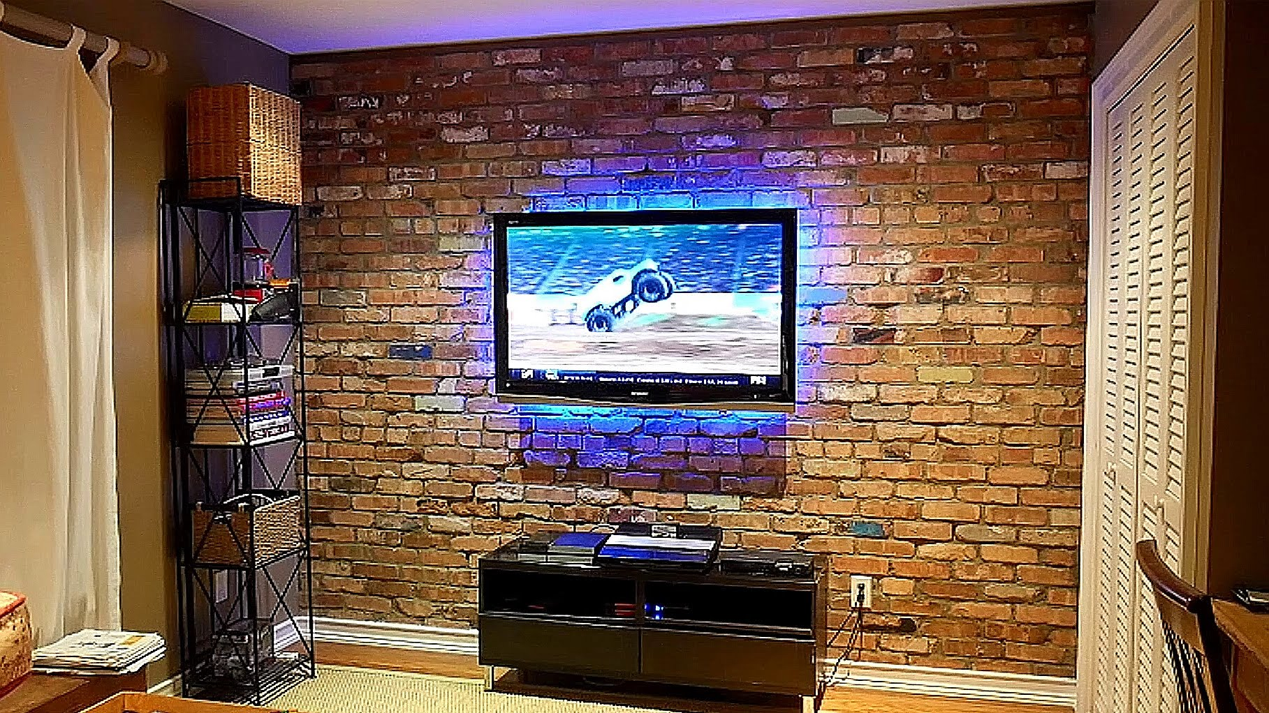 How to build an exposed brick veneer on an interior wall for Interior brick wall designs