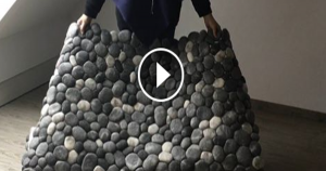 Pebble like rug