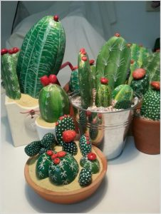 Painted-Stone-Crafts-cactus