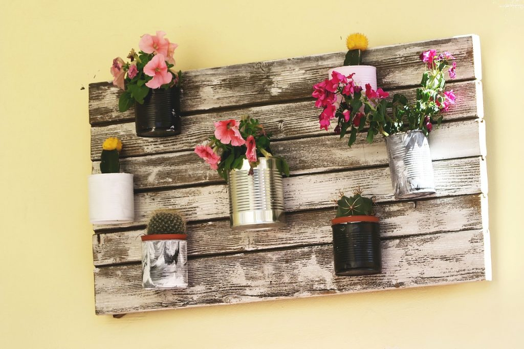flower-on-wall