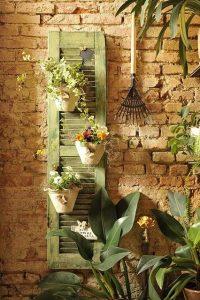 vertical-garden-shutter-hanger