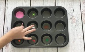 mixing-colors-tray